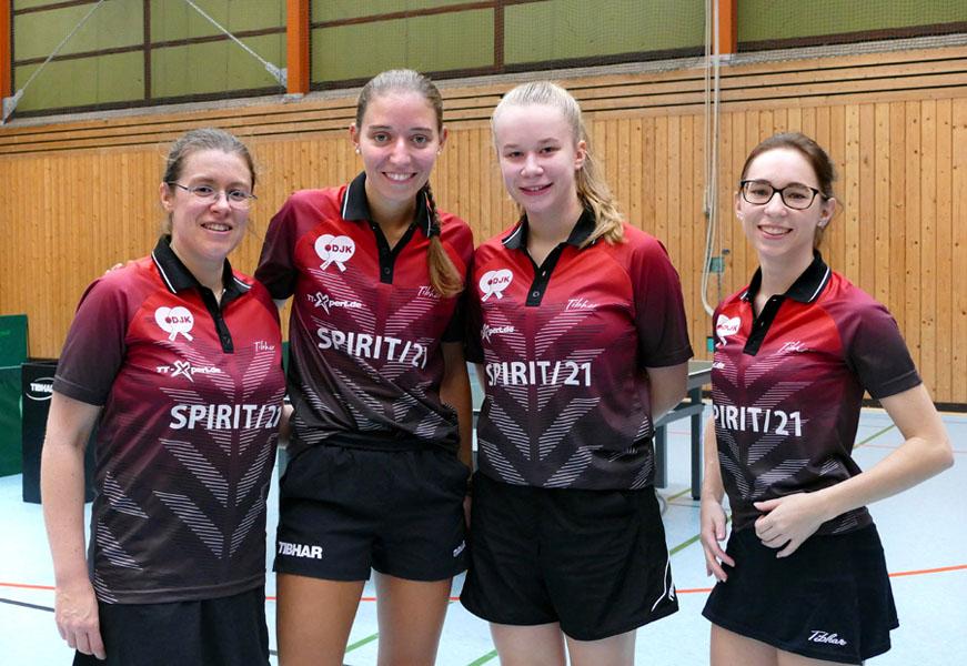 Die 1. Damenmannschaft des DJK Sportbund Stuttgart   Foto: DJK