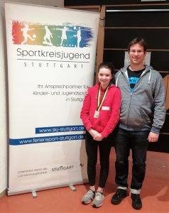 Annika Lange mit Trainer Marius Müller mit Ehrung bei der Sportlerehrung der SKJ Stuttgart | Foto: TBC