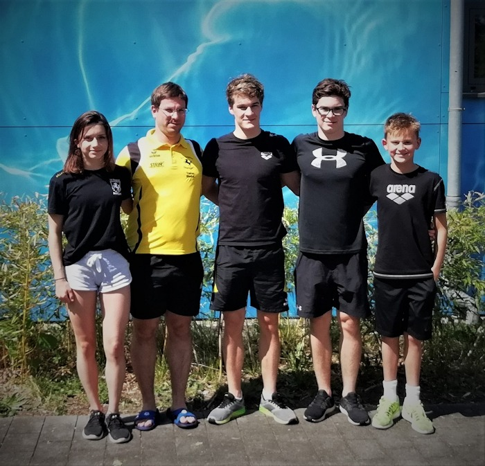 Das TBC-Team in Erlangen (v.l.): Maren Lange, Trainer Marius Müller, Max und Hannes Schenke, Ben Vester | Foto: TBC