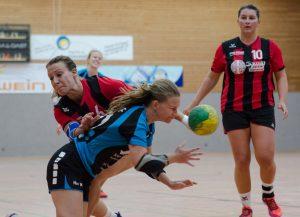 Die Hbi Damen 1 im Angriff gegen die SG Schorndorf 2 | Foto: Hbi