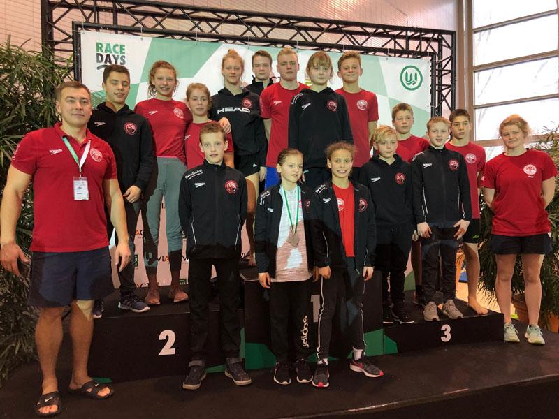 Die SV Cannstatter Nachsuchsschwimmer/innen mit tollen Platzierungen in Dortmund   Foto: SVC