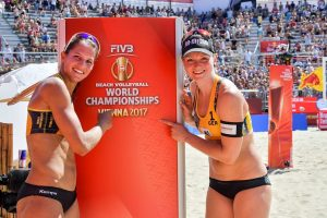 Beachvolleyball-Team Chantal Laboureur/Julia Sude bei der WM in Wien (Foto: Tom Bloch)