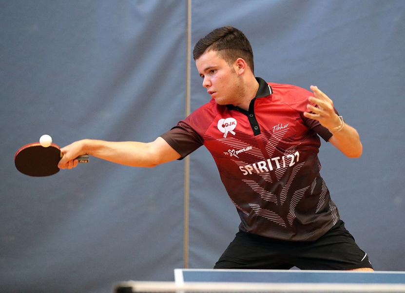 Marius Henninger zeigte nach seinem Tief gegen Bietigheim diesmal im Heimspiel wieder eine ganz starke Leistung – zwei Einzelsiege | Foto: DJK Sportbund