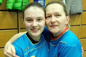 Melina und Karin Haar - Premiere im Team der HSV   Foto: HSV