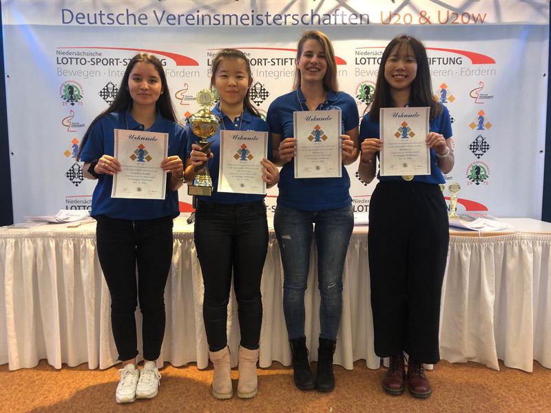 Das Team des SV Wolfbusch v.l.n.r.: Jacqueline Kobald, Anna Liu, Sabrina Ley, Zhuoling Li | Foto: SV Wolfbusch