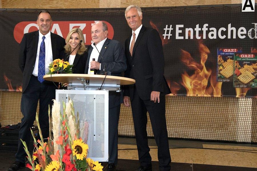 Petra und Dr. Eduardo Garcia mit Waldau-Geschäftsführer Thomas Bürkle und dem Ersten Vorsitzenden Christoph von Eynatten (Foto: Antoine Le Minh)