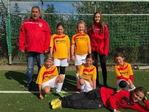 Die jüngsten TSV Kickerinnen mit solider Leistung beim Spieltagsdebut (Foto: TSV Weilimdorf)