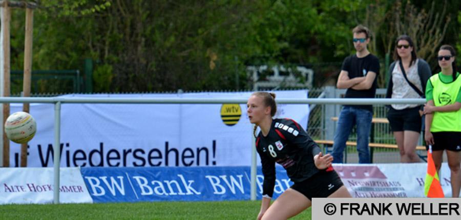 Die Bundesliga-Angreiferin vom TV Stammheim Anja Brezing | Foto: Frank Weller