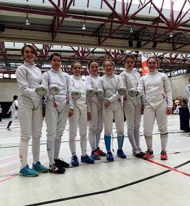 Die U13+U14 Fechterinnen aus Ditzingen. Ganz links Annika Amler   Foto: TSF