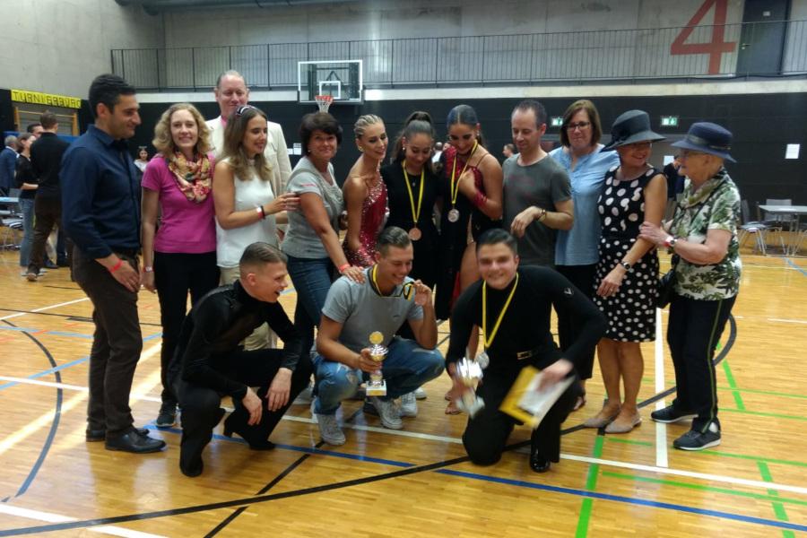 Gruppenbild der Tänzer und Tänzerinnen des TSZ | Foto: TSZ